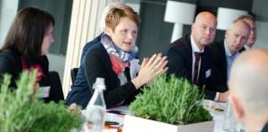 Samtal om investeringar i miljöteknik. Foto: Sandra Wiaderny